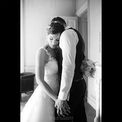 Forte e protettivo | Mélanie & Laurent (dominikfoto) Tags: gentleness tendresse sweet sensuel fusinadominik fusina portrait maries marriage mariage wedding
