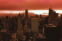 (kateb0625) Tags: freelancer youngphotographer dreamscape architecture citylife light summer colour fog clouds storm tumblr flickr cityphotography travelphotography rooftop downtown empirestatebuilding bridge sky river landmarks tourist explore travel businesses buildings colors sunset sundown beautiful cityview skyline cityscape city newyorkcity