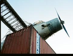 Airplane (Alexis Gane) Tags: mamiya 645 pro fuji 400h noritsu hs1800