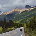 Driving the Canadian Rockies and Taking in Amazing Peaks Along the Icefields Parkway (Banff National Park) thumbnail