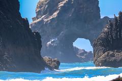 Portal of the Crashing Surf (curious_spider) Tags: indianbeach submarinerock cannonbeach oregon coast pacific crashingsurf portal ecolastatepark