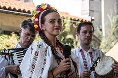 Autrefois le Couserans (Ariège) (PierreG_09) Tags: mugurelul rite folklore ariège pyrénées pirineos couserans fête manifestation tradition saintgirons autrefoislecouserans danse groupe roumanie costume musique musicien