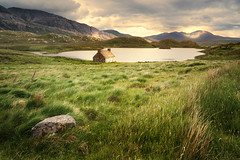 Loch Stack II (Paul C Stokes) Tags: lochstack loch stack scotland northcoast500 northcoast norrth coast 500 nc500 nc sonya7r2 sony a7r2 zeiss1635 zeiss 1635mm 1635 grass landscape water sky mountain lake scottish highland highlands