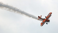 IMG_7784 (zahariascanlnv) Tags: farnborough international airshow 2018 airplane aircraft plane helicopter biplane aerospace aeronautical engine jet airliner fighter bomber flying circus aerosuperbatics wingwalking team breitling strearman wingwalk smoke aerobatics aerobatic