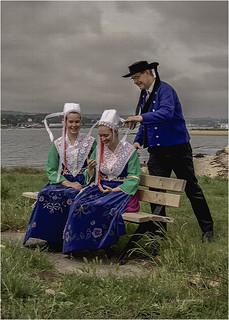 Costume de Bretagne - Père et filles