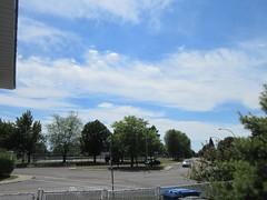 ** Ciel de juillet ** (Impatience_1) Tags: ciel sky nuage cloud arbre tree rue street clôture fence parclaflamme longueuil quebec canada m impatience terraindetennis tenniscourt supershot coth abigfave coth5