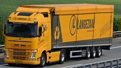NL - Langezaal MB New Actros Bigspace (BonsaiTruck) Tags: langezaal mb actros volvo lkw lastwagen lastzug truck trucks lorry lorries camion caminhoes