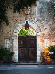 Taormina San Domenico Palace Hotel Entrance (davepickettphotographer) Tags: palace sandomenico taormina sicily italy street streetphotography streetlife europe eu hotel gates