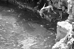 Il salto (marcus.greco) Tags: water jump portrait sea blackandwhite