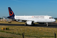 Brussels Airlines | OO-SNK (Airway Photography) Tags: planespotting airliner aircraft aero jet jetaeroplane pilot livery aviation planespotter nikon nikond3300 d3300 airport airline flying holiday sky speed fast bluesky nikkor 5530mm aircraftphotography planephotography aeroplane spotting takeoff landing departing runway vehical outdoor jetliner airwayphotography international travel world worldtravel traveling approach