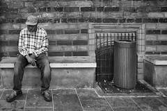 Im Fokus (Deinert-Photography) Tags: streetfotografie fujixt2 street schwarzweis bremen blackwhite schwarzweiss mann deutschland cityschlachte citylife hb hansestadt man streetart streetphoto streetphotography ubanphotography urban