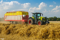 Collecting Straw 2018 | CLAAS // PÖTTINGER (martin_king.photo) Tags: harvest harvest2018 ernte 2018harvestseason new modernmachine summerwork powerfull martin king photo machines strong agricultural great czechrepublic agriculturalmachinery farm working modernagriculture landwirtschaft martinkingphoto moisson machine machinery field huge big sky agriculture power dynastyphotography lukaskralphotocz day fans work place yellow gold golden eos country lens rural camera outdoors outdoor colours landscape fields lines claasaxion claaslexion pöttingerjumbo pöttinger jumbo collectingstraw straw