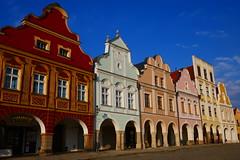 Colour Contrast (Jungle_Boy) Tags: telč czechia czechrepublic europe centraleurope 2018 travel