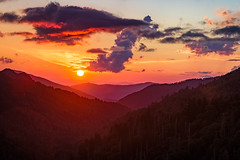 Morton Overlook Sunset (APGougePhotography) Tags: cloudsstormssunsetssunrises sun sunset clouds nikon d600 nikond600 smoky smokymountains mountains national park gsmnp tennessee appalachian trees
