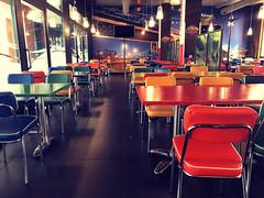 2018-04-16 11.20.40 (gigi.cogo) Tags: iphone8 iphone riflessi tavoli nobody filtro postproduzione colors padua padova bar pub resturant ristorante sedie colori