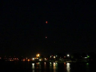 Über der Weser (Blutmond-Flugzeug-Mars)