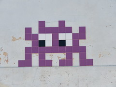 Space Invader LBR_02 (tofz4u) Tags: lubéron luberon vaucluse 84 provencealpescôte dazurfrancelbr02purplelavandevioletstreetartart de rue invader spaceinvader spaceinvaders mosaïque mosaic tile