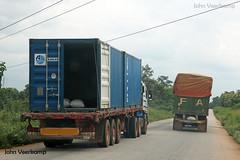 JV-2018-08-02-125 (johnveerkamp) Tags: trucks transport cote divoire ivory coast