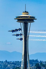 Blue Angels (otterdrivernw) Tags: spaceneedle needle space smokeon fighters jets aviation flying formation xf100400mm xt2 fujix fujifilm navy blueangels seafair