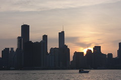 Sunset in the windy city (maxj75) Tags: chicago il illinois waterfront sunset silhouette lakeshore lakemichigan