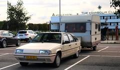 Citroën BX 19 TRI + Kip Campine K370 (Skylark92) Tags: nederland netherlands holland utrecht vinkeveen park ride pr meeting point 100 jaar citroen citroën bx 19 tri u9 blanc cremant xr10rd 1989 origineel nederlands kenteken kip campine k370 1980 0274wp