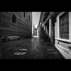 @ SARAGOSSE (Frédéric Delouvée) Tags: saragosse zaragoza espagne noiretblanc blackandwhite ombres ombresetlumiere light fdelouveephotographiecom