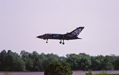 Berlin SXF ILA 2002 Tornado Luftwaffe (rieblinga) Tags: berlin sxf ila 2002 bundeswehr luftwaffe tornado marine sonderlackierung analog canon eos 1v kodak ebk 100 diafilm