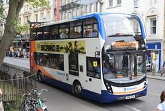 SO 10683 @ Magdalen Street, Oxford (ianjpoole) Tags: stagecoach oxfordshire alexander dennis enviro 400mmc sn16ozm 10683 working route 2b magdalen street oxford andersons close kidlington