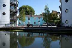 Desirable residences near The Regent's Canal in Camden (kevertonphoto) Tags: regentscanal london camden canal kingscross canon35mmf14l
