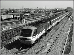 43025, Didcot (Jason 87030) Tags: 125 hst 43025 powercar intercity iconic didcot gwr scene slide scan 1997 footbridge station tracks lines railway train blach white bw bbw noir blanc blackandwhite rails uk england old history londonpaddington