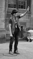 Fringe on the Mile 2018 052 (byronv2) Tags: fringe fringe2018 edinburgh edimbourg edinburghfringe edinburghfringe2018 edinburghfestivalfringe2018 performer royalmile edinburghfestivalfringe oldtown festival peoplewatching candid street man magician streetperformer hat beard eyepatch whip