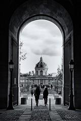 Pont des Arts et Institut de France (A. d'Azay) Tags: noiretblanc monochrome institutdefrance pontdesart louvre paris