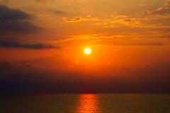lever sur la mer des Philippines (8pl) Tags: leverdesoleil taïwan matin soleil nuages paysage seascape morning clouds sun