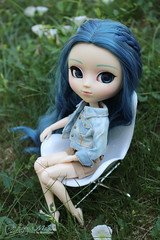 Muffin (Shamujinn) Tags: doll pullip pullips dolls dollcusto wig rewigged lullaby eyes obitsu pelouse luts peacock paon bleu blue muffin jean outfit doremyshop
