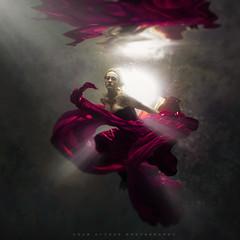 Missa (wesome) Tags: adamattoun underwaterportrait underwaterportraiture underwaterphotography ikelite