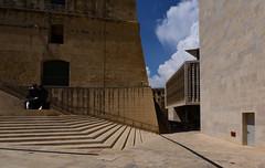 La Valletta, Malta, June 2018 253 (tango-) Tags: malta malte мальта 馬耳他 هاون isola island lavalletta valletta portadellacittà citydoor