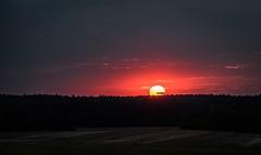 Zatmění Měsíce nevyšlo,tak aspoň západ slunce (Robert Hájek) Tags: sky evening sonya sonya7ii sony cz czechrepublic czphoto nature landscape sun sunset