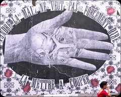 Ma main à couper (ettigirbs2012) Tags: madamemoustache main hand anatomie anatomy streetart roses rouge red