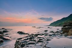 淡然雲兮(DSC_7278) (nans0410(busy)) Tags: taiwan newtaipeicity wanli northcoast rock sunrise dawn scenery outdoors sky 台灣 新北市 萬里區 北海岸 神桌 晨曦