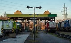 14_2018_03_14_Dortmund_Westfalenhütte_DE_CAPTRAIN_3295_958_DE_1272_xxx_DE_3295_957_DE_1272_402_DE_1273_004_ATLU (ruhrpott.sprinter) Tags: ruhrpott sprinter deutschland germany allmangne nrw ruhrgebiet gelsenkirchen lokomotive locomotives eisenbahn railroad rail zug train reisezug passenger güter cargo freight fret dortmund westfalenhütte dortmundereisenbahn captrain atlu cdt de rhc hectorrail 0112 1271 1272 6187 3295 tankstelle abstelung outdoor logo natur werbung