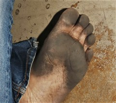 dirty city feet 611 (dirtyfeet6811) Tags: feet foot sole barefoot toes dirtyfeet dirtyfoot dirtysole blacksole cityfeet