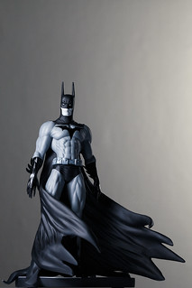 Batman (B/W)   Statue   DC Collectibles