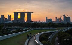 Sunset at Marina Bay (jacysf) Tags: sunset marinabay marinabaysands marinabarrage singaporeflyer cityscape panorama throughherlens citycentre
