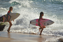 Full speed back out for more surf (radargeek) Tags: isleofmaui maui hawaii 2017 may paia hookipabeachpark beach surfer surfing surf board waves child children splash wave