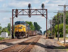 CSX Q384-17 at Risingsun (Chicago Line Railfan) Tags: csxt csx q38417 yn2 ge general electric co signals risingsun oh nw ohio manifest pemberville subdivision sub signal bridge