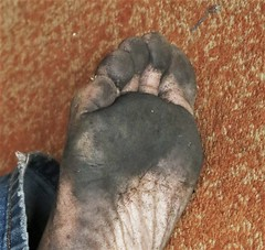 dirty city feet 615 (dirtyfeet6811) Tags: feet foot barefoot forefoot dirtyfeet dirtyfoot dirty sole2 dirtysole blacksole cityfeet