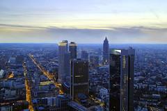 FFM (ploh1) Tags: ffm frankfurt main hochhäuser banken skyline vonoben aussicht ausblick schönheit abendstimmung himmel architektur häuser wolkenkratzer beleuchtet
