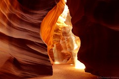 Arizona - Upper Antelope Canyon (CHWVB) Tags: arizona upper antelope canyon usa photographer tour adventurous lichtstrahlen beams light reflected sand rock nature az landscape indian navajo page sony travel earth texture colour spotlight