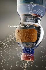 facebookdg8691 (BXIJNGOHAZD6GRPENLFTO7OOQ5) Tags: acqua minerale bottiglia spreco buco pet