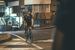 _MG_4566 (catuo) Tags: cycling cyclingteam people portrait sportphotography sport streetphotography street race racing bike trackbike bicicleta colombia carrera ciclismo canon noche alleycat